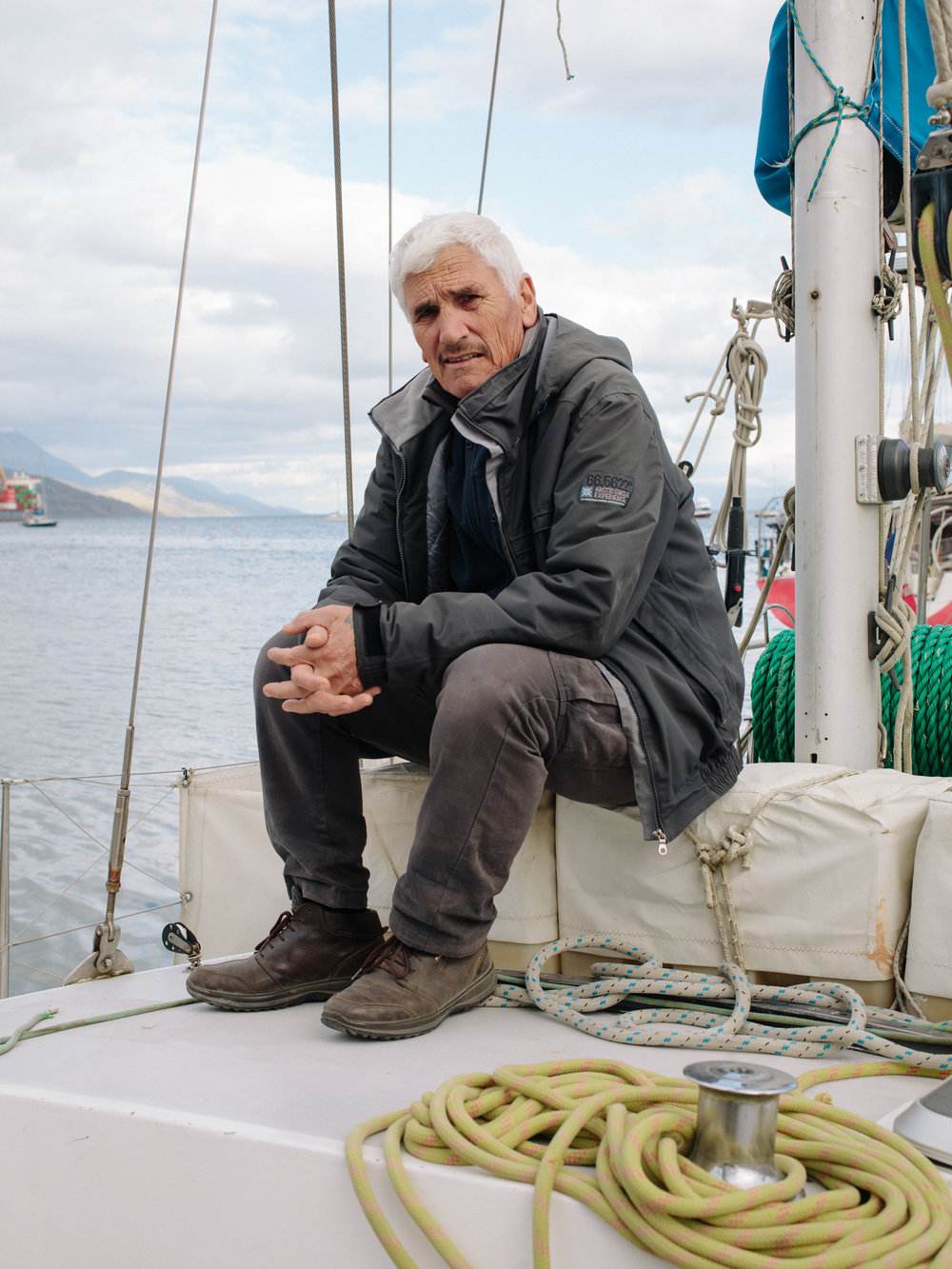 Antonio Guglielmo, an Italian skipper who lives in Ushuaia since 16 years. He lives in his boat, offering touristic cruises o to Cape Horn island and Antarctica.
