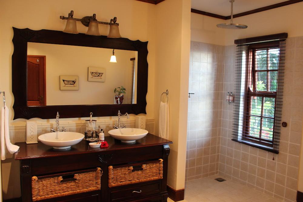 The_Manor_Bathroom_Interior_1_Tanzania_Safari_Takims_Holidays