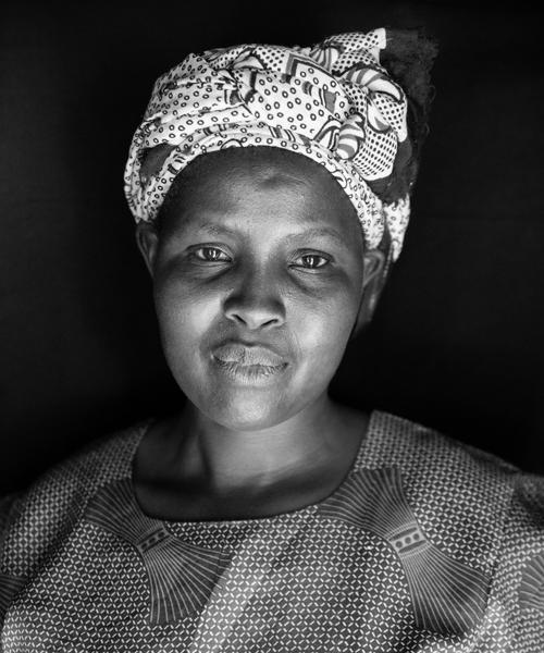 Sarah Nyabiage, Soapstone Carver, Kisii
