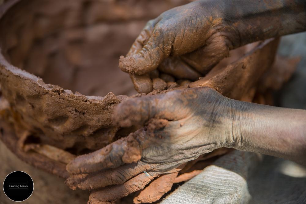 CraftingKenya_2014-09-28_Kisumu_Pottery_029.jpg
