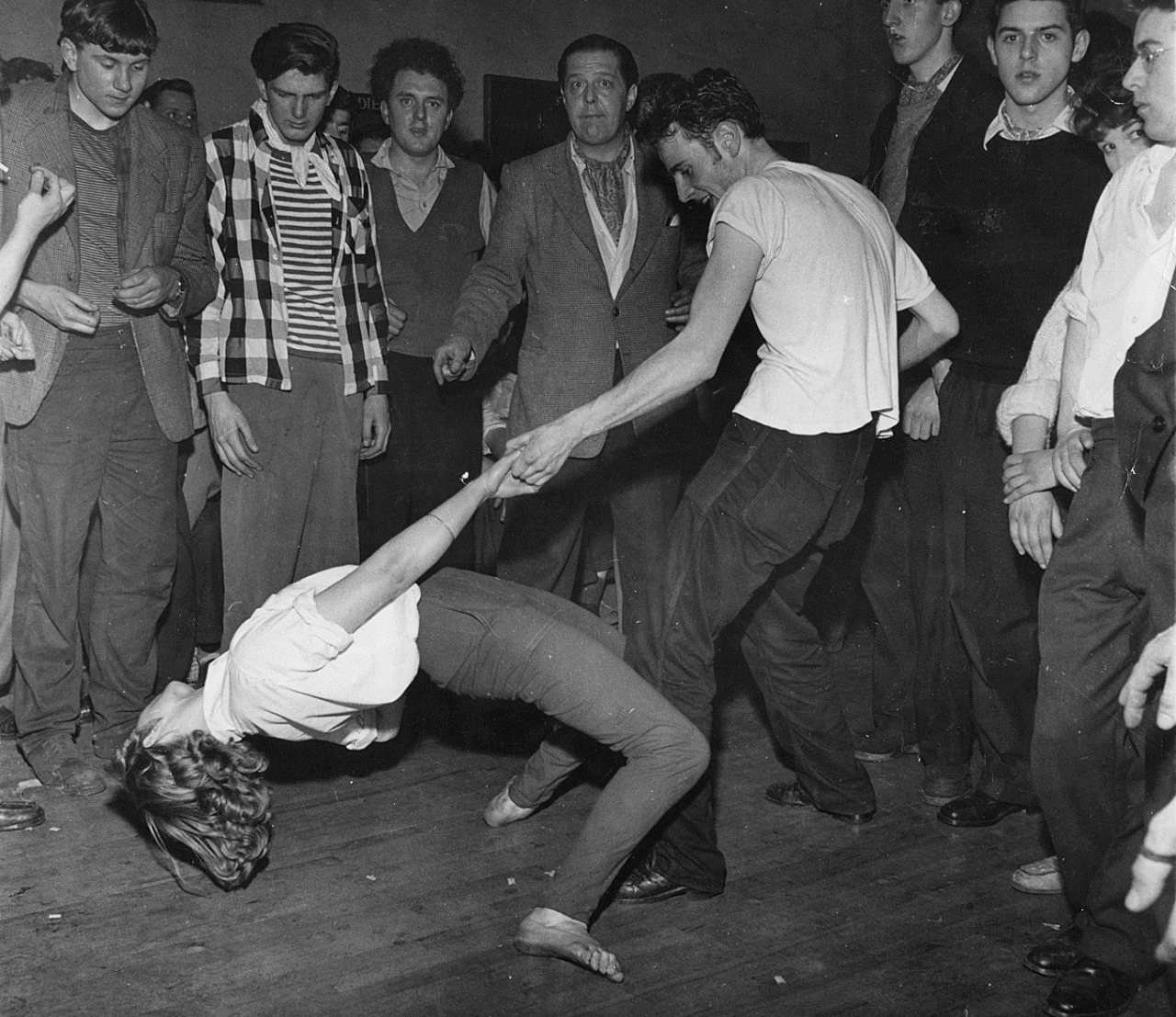goldenlocket: Dancing at a London jazz club, 1950s.