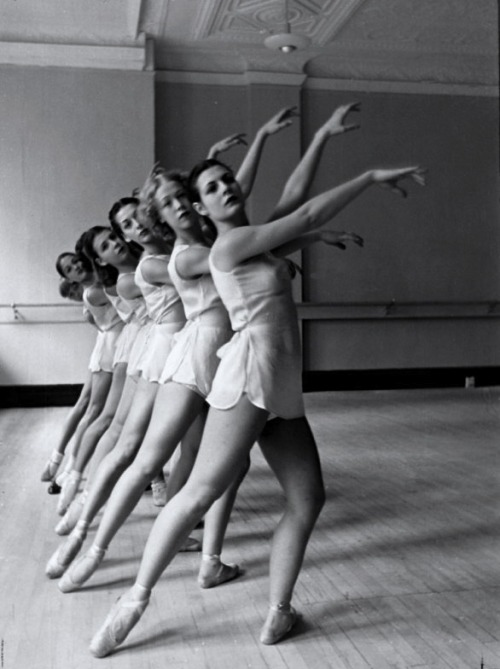 greeneyes55 :        George Balanchine's School of American Ballet 1936       Photo: Alfred Eisenstaedt