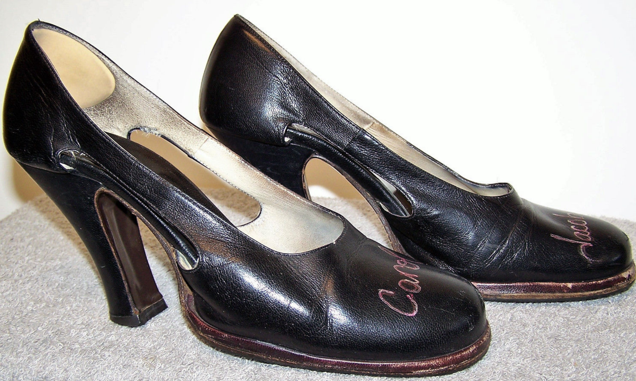 These were absolutely my favorite pair of heels for several years, so please, bid accordingly!! ;-)