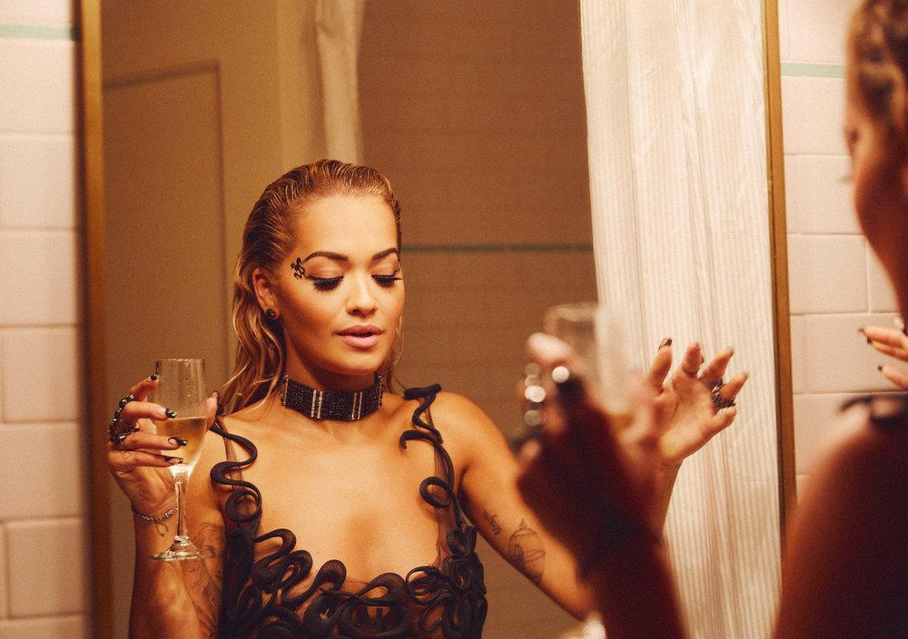 Rita-Ora_VMAs-2018_Erik-Melvin_2.jpg
