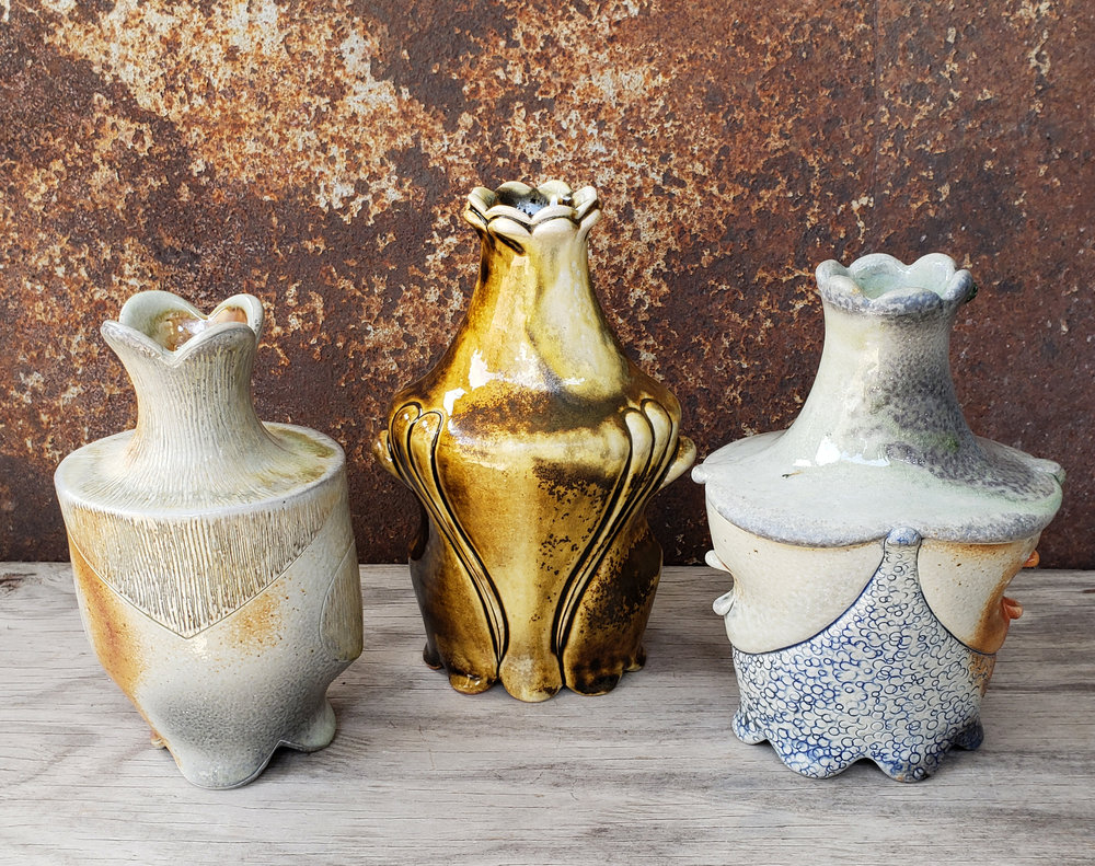 You can see these three vases in the round  here