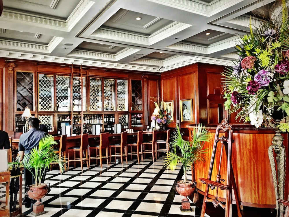 Market Pavilion Hotel Bar