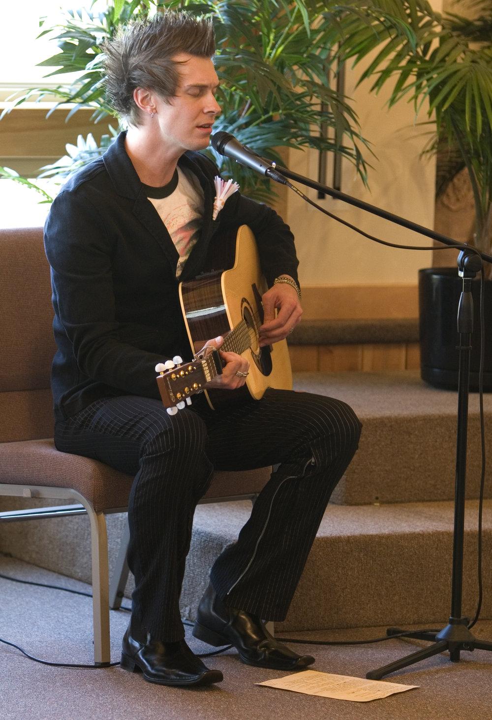 20180216-Aaron-singing.jpg