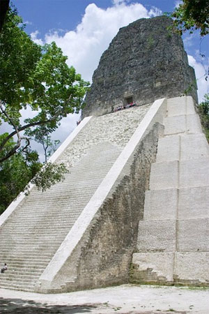 Tikal_mayan_ruin.jpg