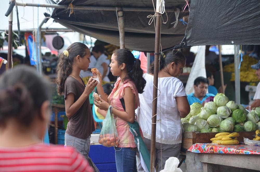 san_ignacio_belize_market.JPG