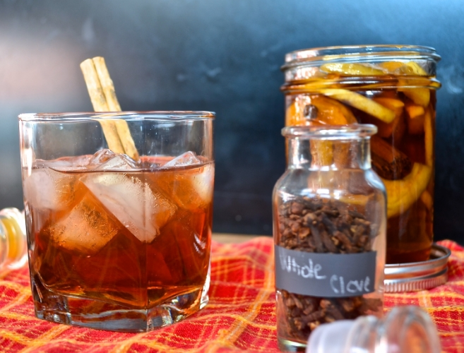 apple spice whiskey | pale yellow
