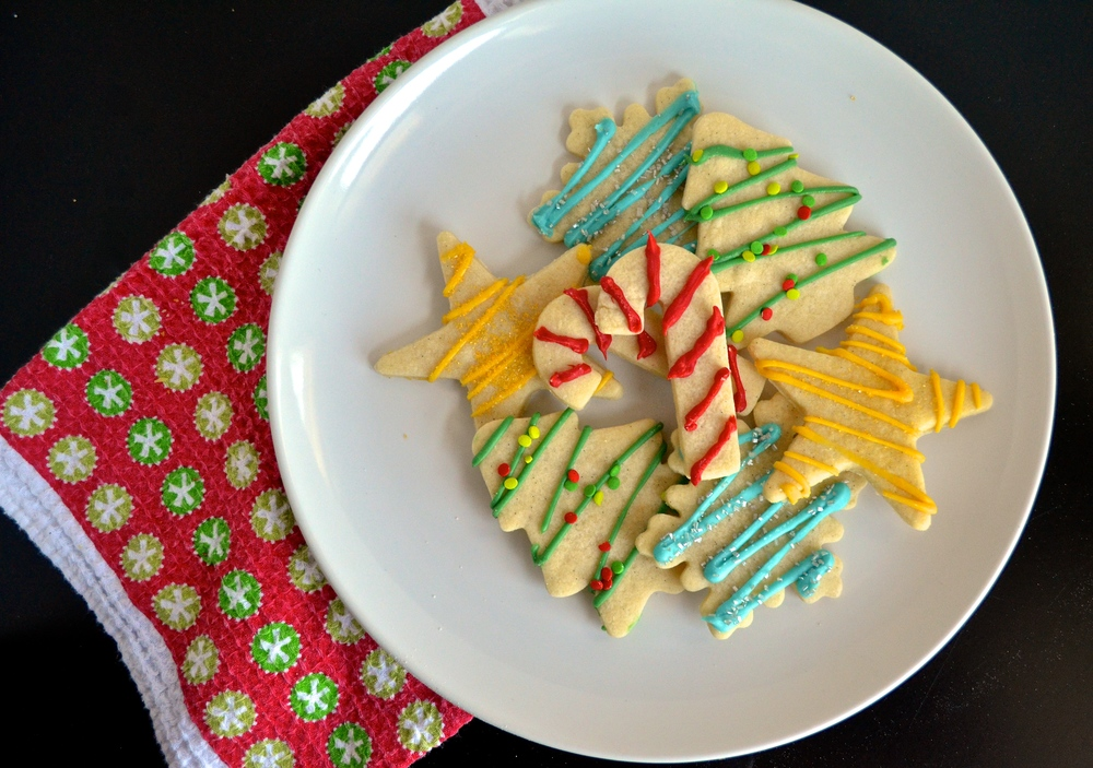 Easy Christmas Sugar Cookies with Candy Melt Decorations | Pale Yellow