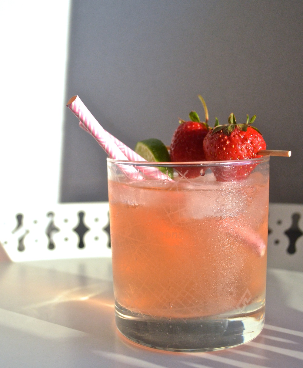Strawberry Top Vodka Spritzers | Pale Yellow