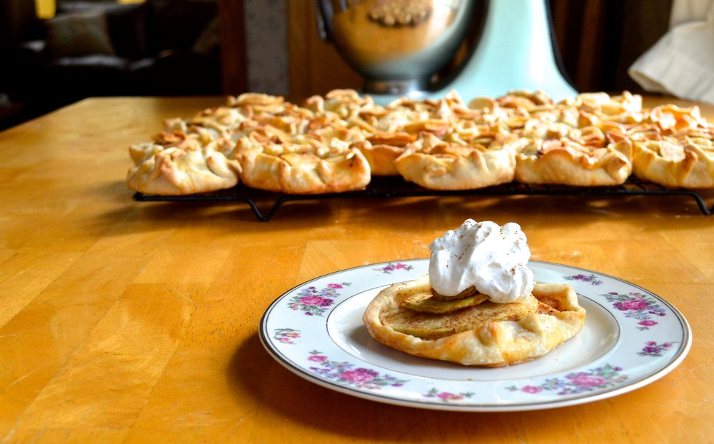 Mini Apple Pies | Pale Yellow