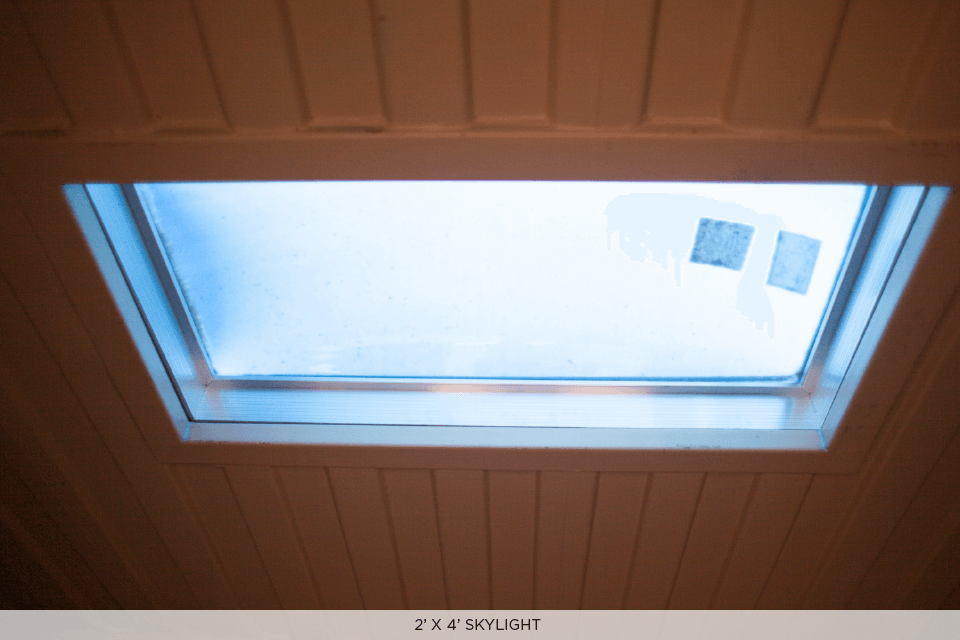 SKYLIGHT CONTAINER 2' X 4'.png