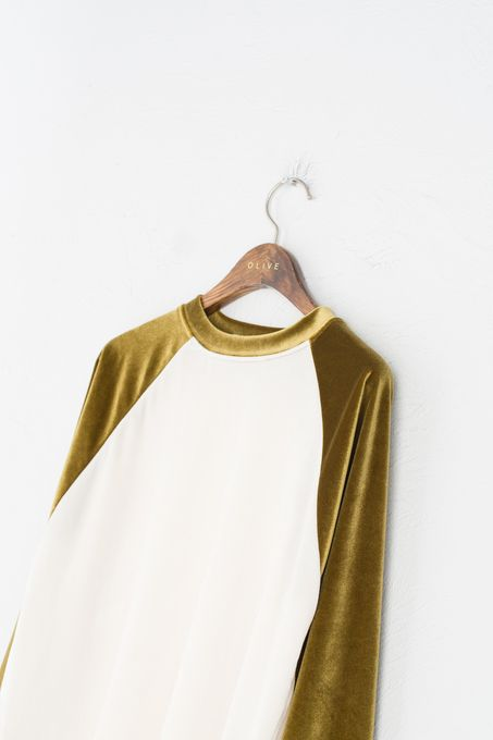 Image Via :  Olive    4. Such a cute velvet edition of a baseball tee! Need.