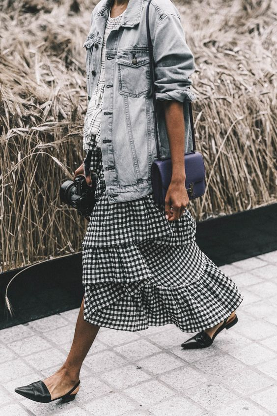 Image Via  Pinterest    9. This skirt is a longer version of my mini, and I think I need this one as well.