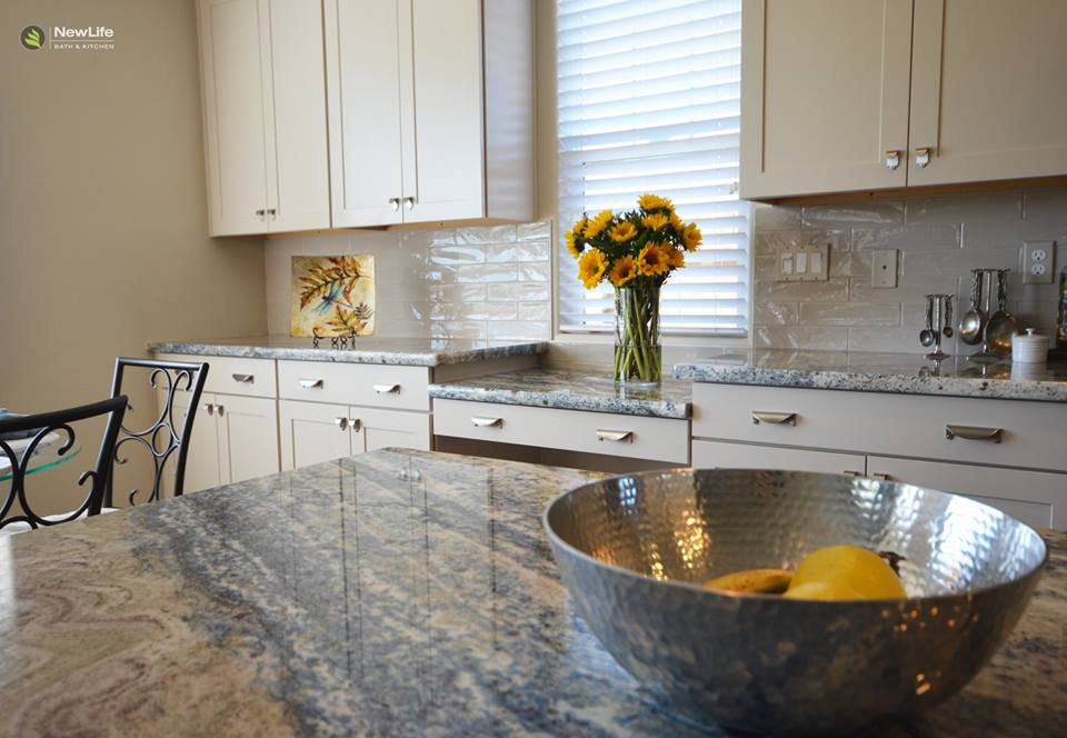 8 helpful tips for choosing kitchen cabinet paint colors - Paint Colors For Kitchen Cabinets