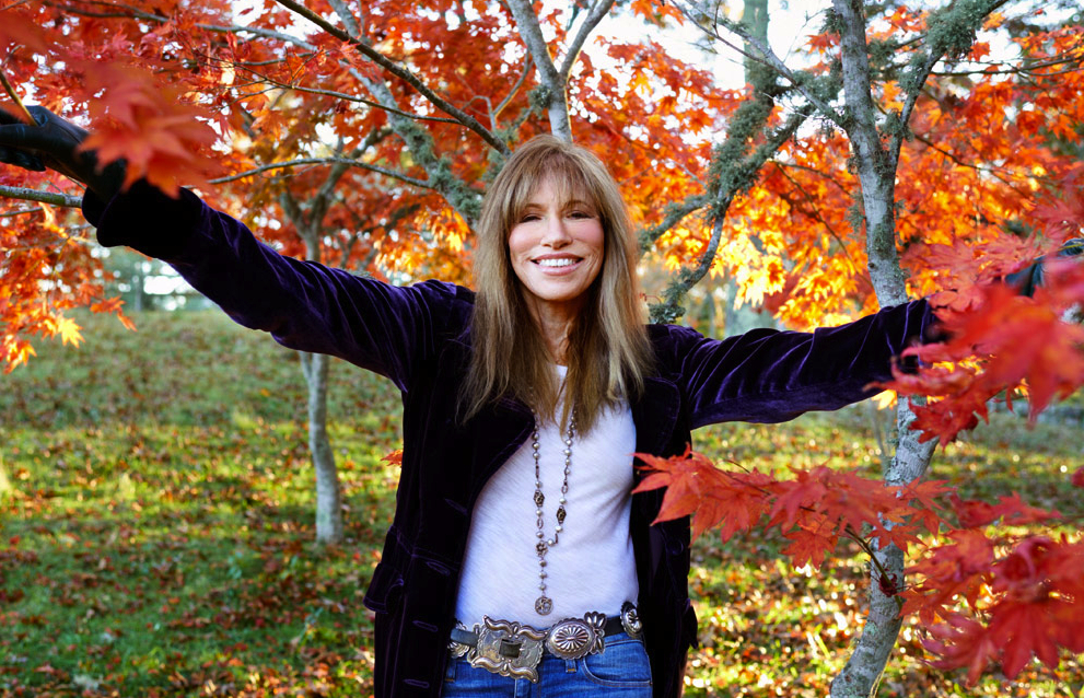 People: Carly Simon Launches #ICantThankYouEnough Campaign to Encourage Fans to Share What They're Grateful For
