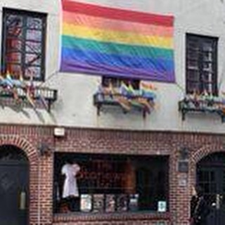 Can you believe this #bar was owned by the #mafia? #nyc #gay #nycbars #stonewallinn #gaypride #history #instagay