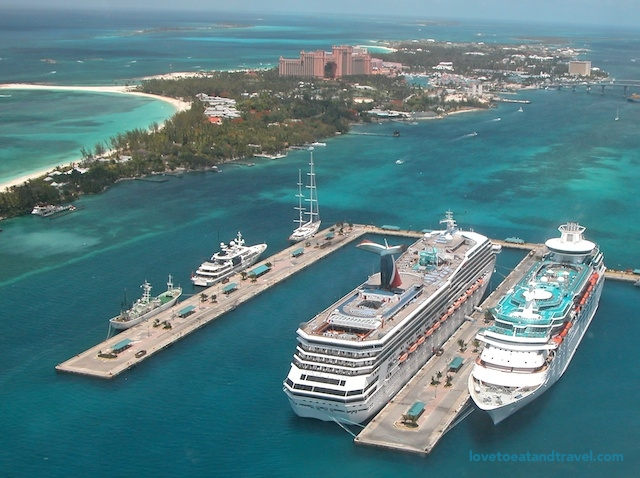 Nassau-Bahamas-17-lovetoeatandtravel.jpg