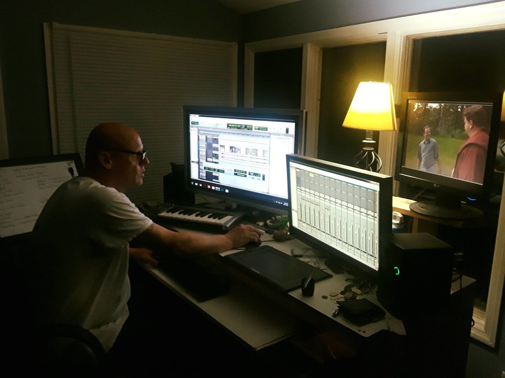 The mastermind in the L-R Dungeon. Click on the pic to check out his website!