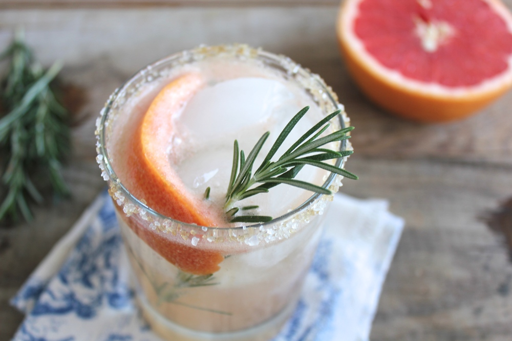 G & G Cocktail: Gin, Grapefruit and Rosemary — Chase the ...