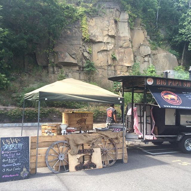 "#followthesmoke to a weekday in #nj #popupbbq Come see #bigpapasmokem ""old River road"" #edgewater 5-8pm"