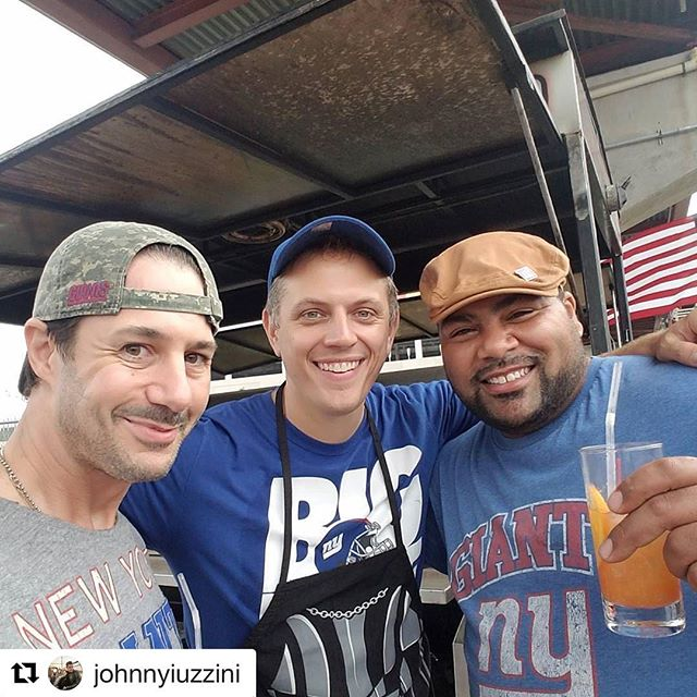 #Repost @johnnyiuzzini with @repostapp ・・・ Brothers from a different #BigBlue mother  #bigblue #d2tailgate @nygiants @saints #gatorgate #crawfishboil  @bigpapasmokem @bellyfullnyc @dice24 @mhunter22  @paulie2t TAILgate @ @teamgleason  @thegumbobros #nowhiteflags #als