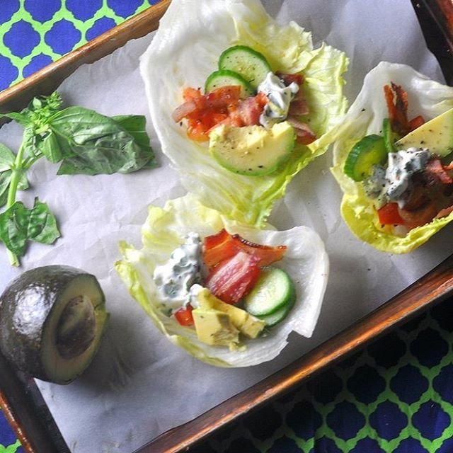 BLTA lettuce cups with basil mayo make for a perfect late summer dinner.  Recipe on modernlowcarb.com, linked in profile. 🥓🥗🍅🥑 #lowcarb #modlowcarb #modernlowcarb #keto #glutenfree #grainfree #atkins #blt #blta #lettucewraps #paleodiet #paleo #primal #recipe #eeeeeats #huffposttaste  #feedfeed
