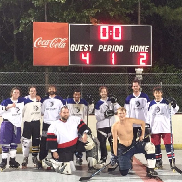 Covenant Club Hockey Team. Photo by Nate Groelsema