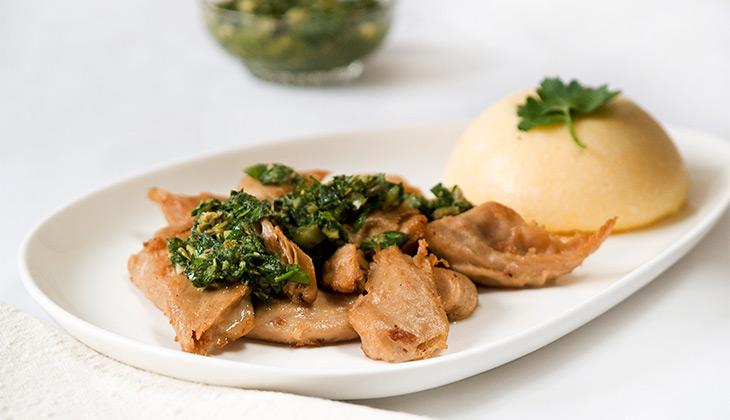 Vegan chicken with green sauce