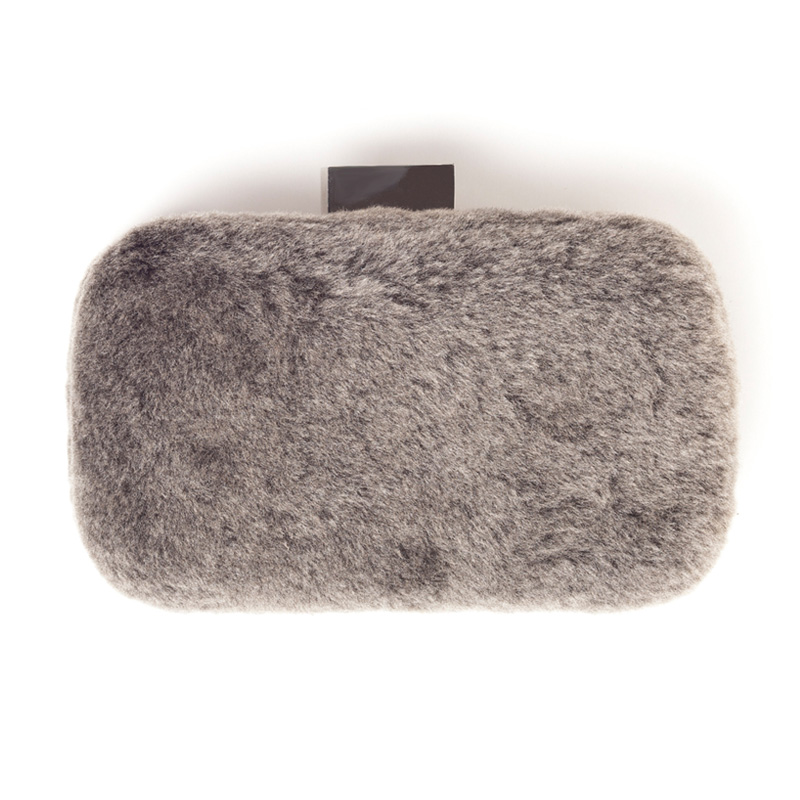 Merino fur clutch