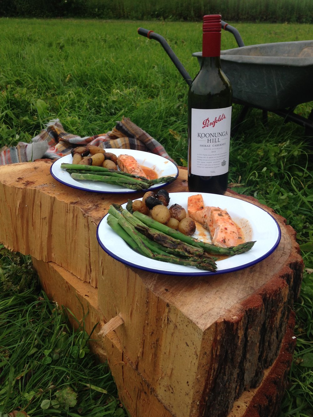 Best London Glamping - supper