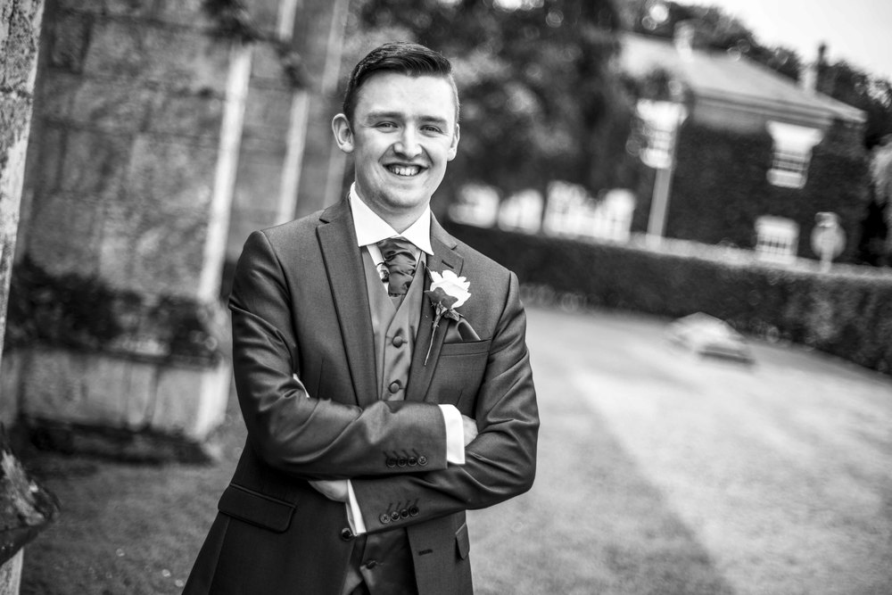 wedding groom photography hull.jpg
