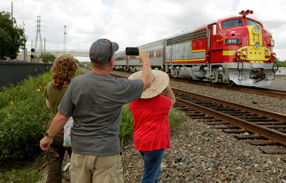 Great photo op for railfans
