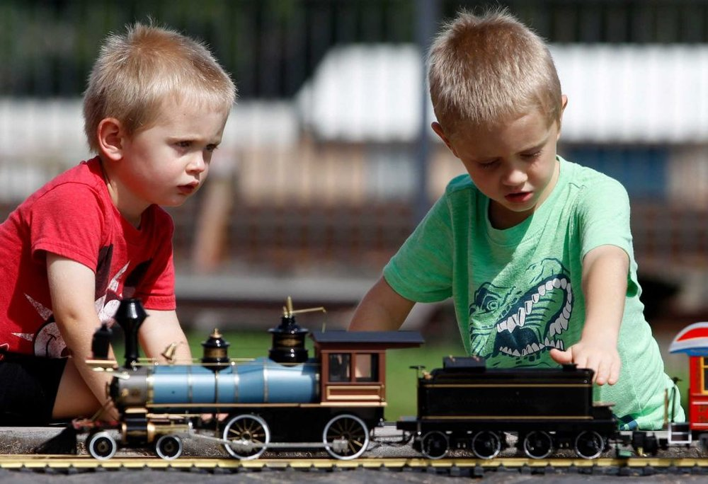 kids by G scale layout.jpg