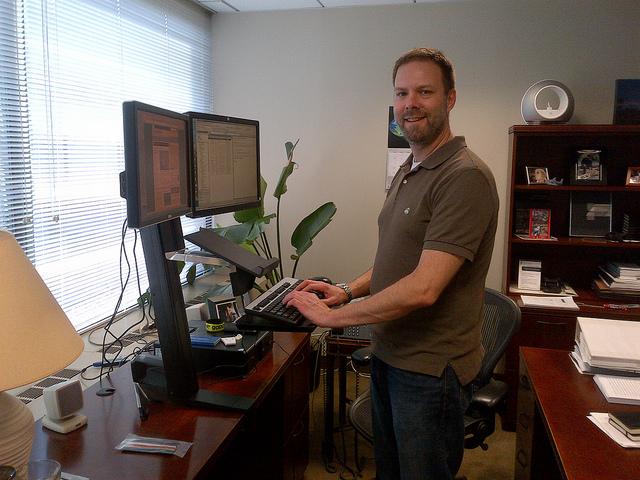 ergonomia laboral postura good posture standing desk