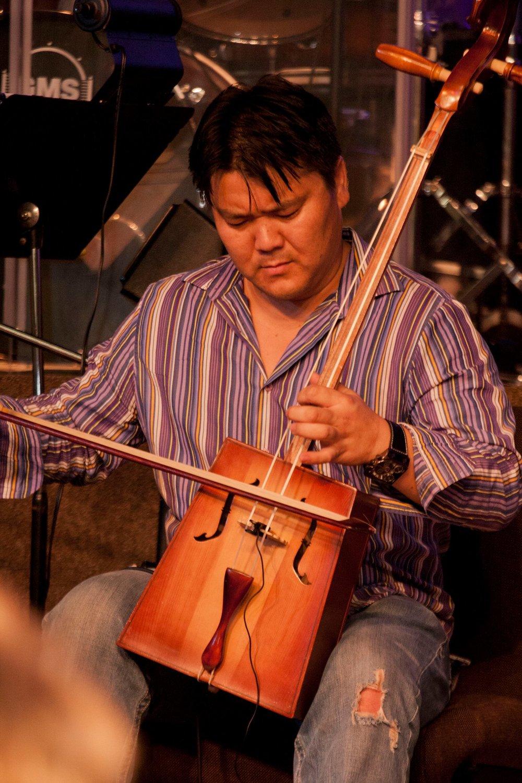 band-Sundui Chimidkhorloo2.jpg