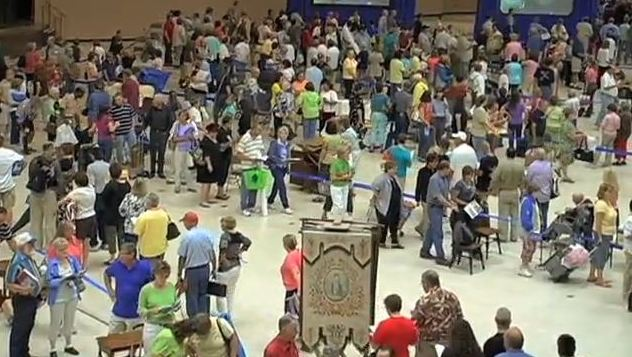 "View of people waiting to have their antiques appraised at the ""Antiques Roadshow."" Photo - StudioSystemNews"