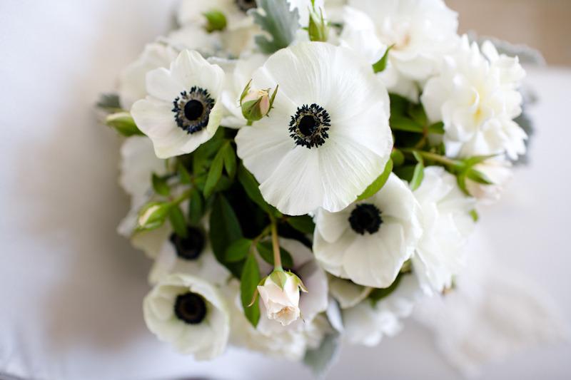 Taylor thiago black white green wedding flowers anemonesfullg mightylinksfo