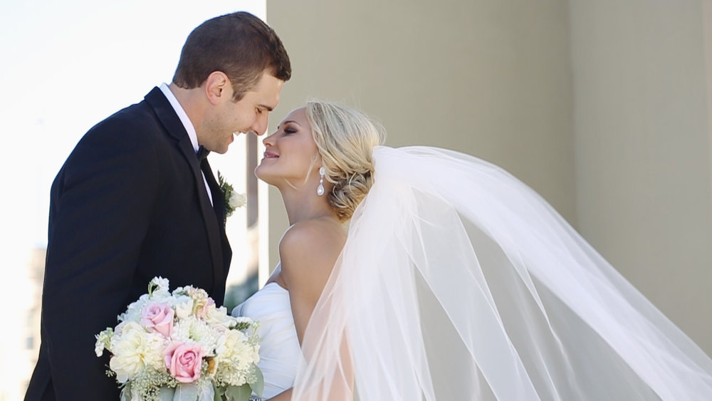 bride-groom-bouquet-veil-blowing-in-the-wind-happiness