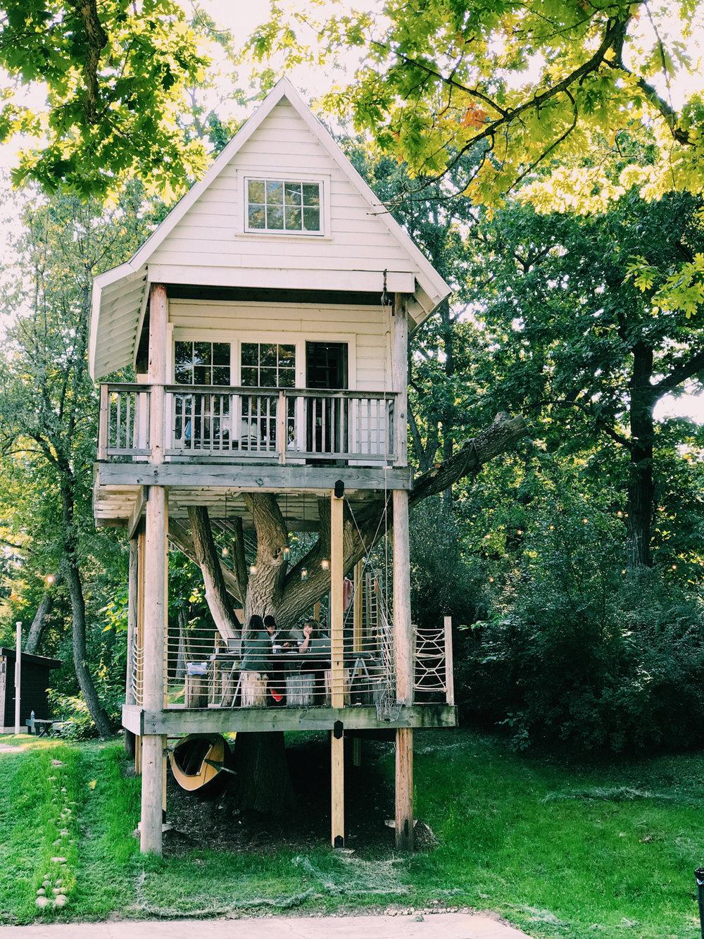 camp_wandawega_katherine_mendieta_treehouse_glamping_.jpg