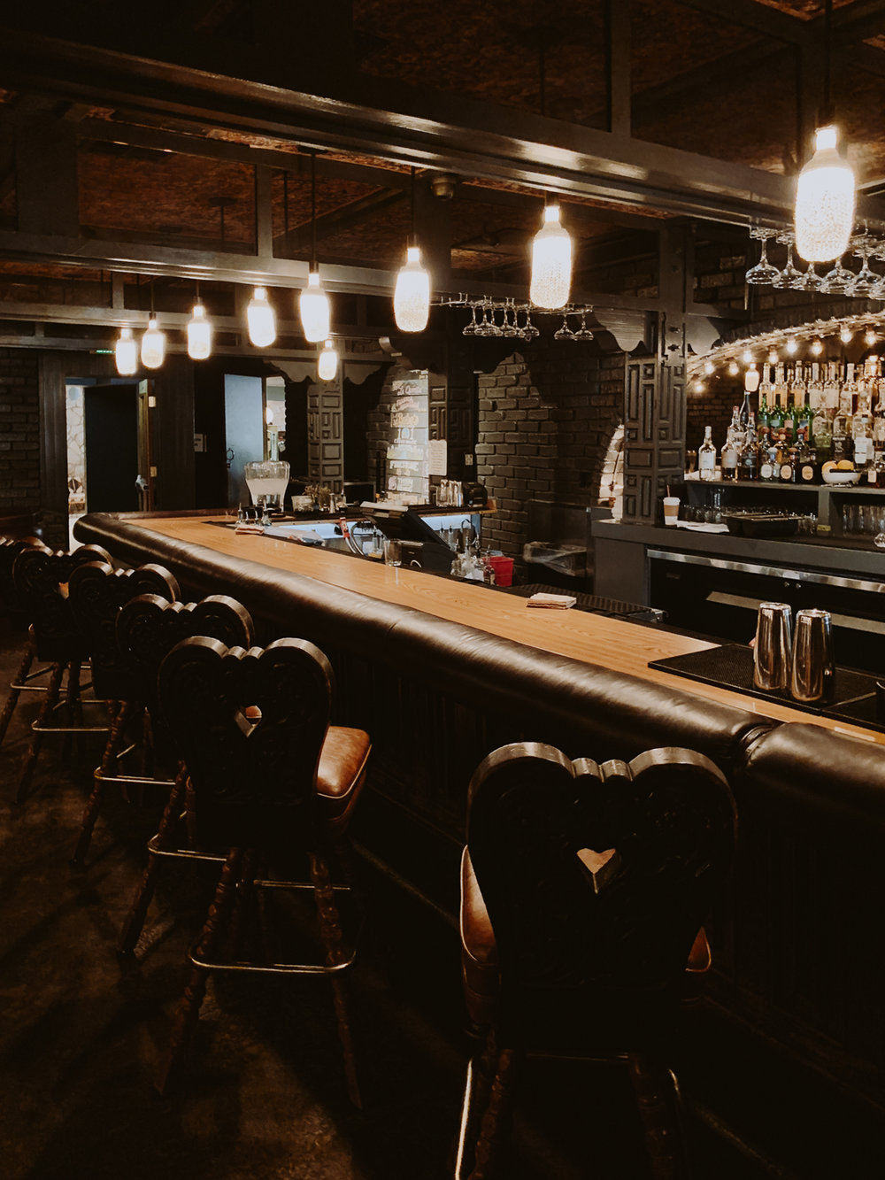 ace_hotel_palm_springs_amigo_room_bar.jpg