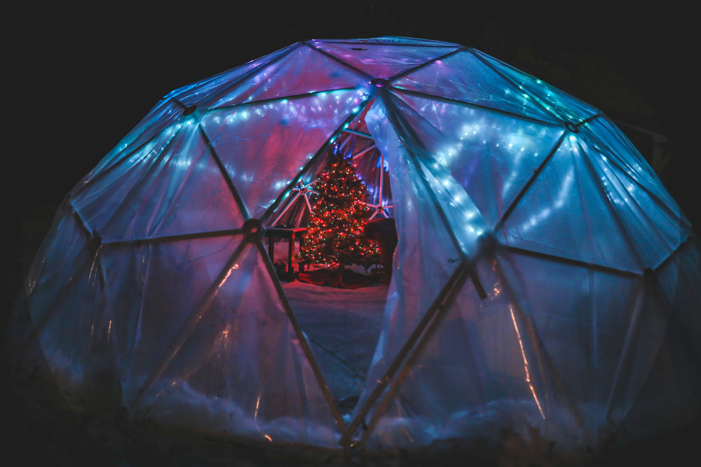 Igloo_diy_fairy_lights_holiday_pvc_pipe.jpg