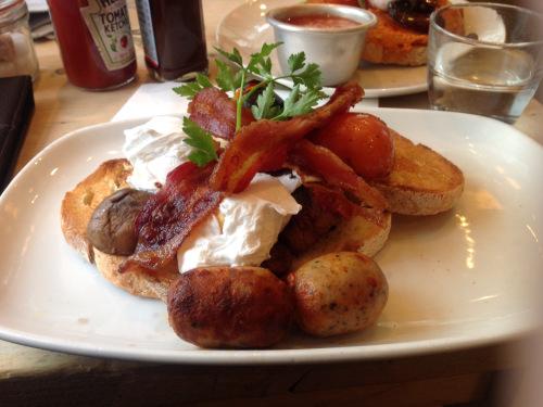 Breakfast meeting at Bill's in Richmond in London. (photo - worklondonstyle)