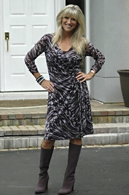 Lauren in a KOKOON Wrap dress looking amazing!