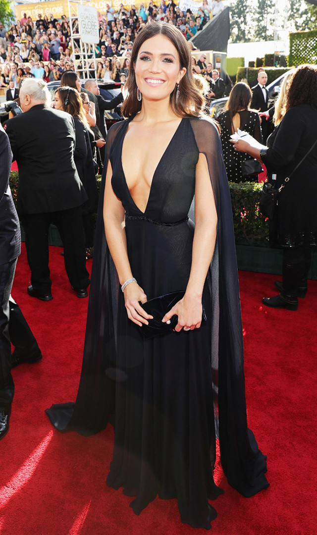 Mandy Moore in Naeem Khan. Mandy managed to look sexy and sweet at the same time.