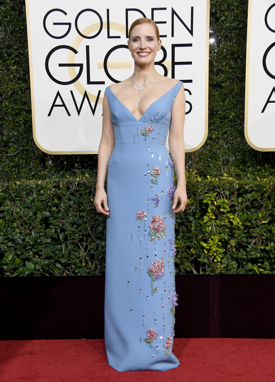 Jessica Chastain in Prada. I loved this color and cut, the bodice just looked a bit precariously perched.