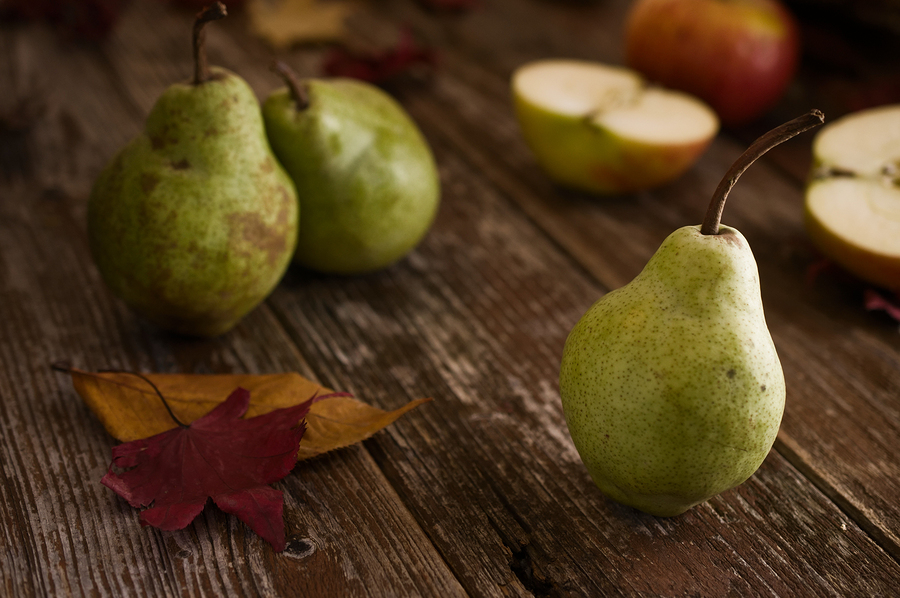 bigstock-Williams-Sort-Pears-In-Rustic-108208589.jpg
