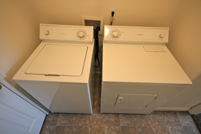 Laundry Machines-Included.jpg